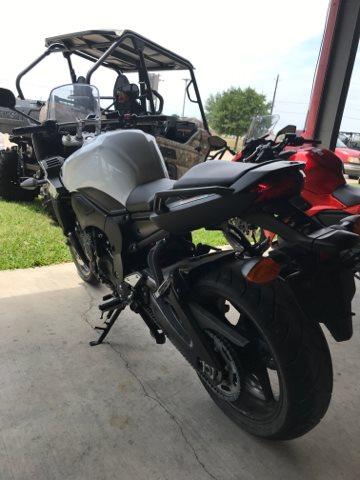 2012 Yamaha FZ 1 at Dale's Fun Center, Victoria, TX 77904