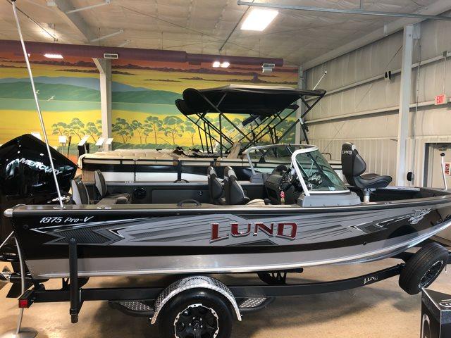 2019 Lund 1875 PRO V SPORT W/ MERCURY 200 V6 DTS at Pharo Marine, Waunakee, WI 53597