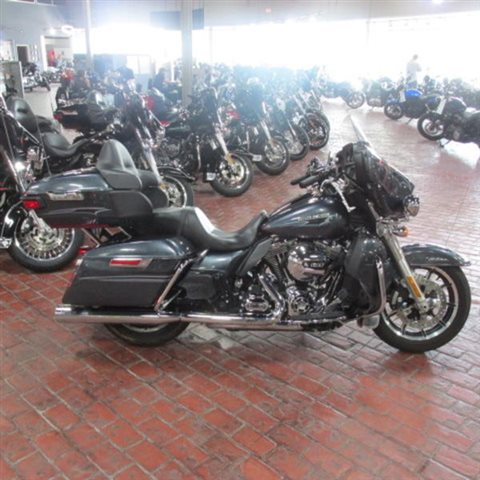 2015 Harley-Davidson Electra Glide Ultra Classic Low at Bumpus H-D of Memphis