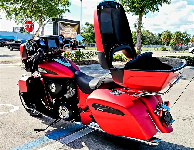 2020 Indian Roadmaster Dark Horse at Fort Lauderdale