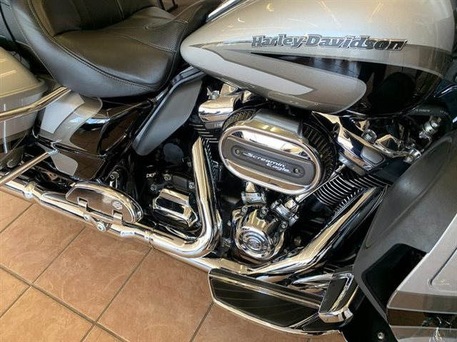 2017 Harley-Davidson Electra Glide CVO Limited at South East Harley-Davidson