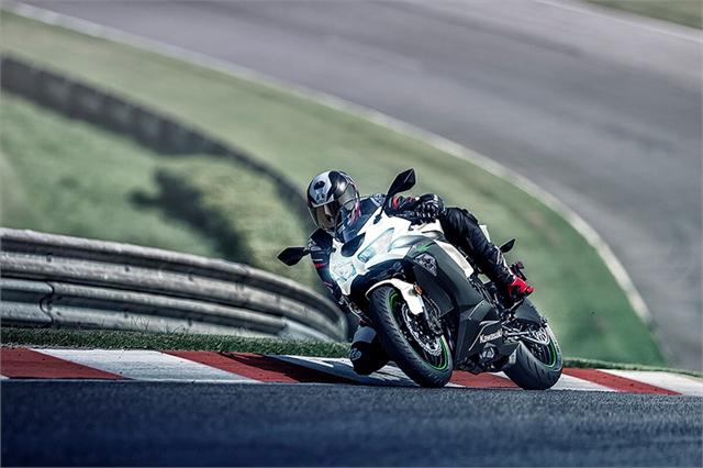2021 Kawasaki Ninja ZX-6R Base at Brenny's Motorcycle Clinic, Bettendorf, IA 52722