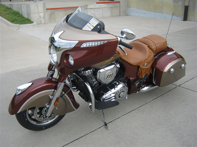 2019 Indian Motorcycle Chieftain Classic ICON -  Burnished Metallic-Sandstone Metallic at Brenny's Motorcycle Clinic, Bettendorf, IA 52722