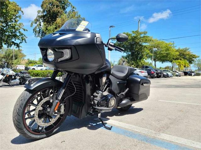 2021 Indian Challenger Challenger Dark Horse at Fort Lauderdale