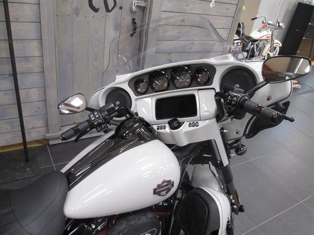 2020 Harley-Davidson CVO Limited at Hunter's Moon Harley-Davidson®, Lafayette, IN 47905