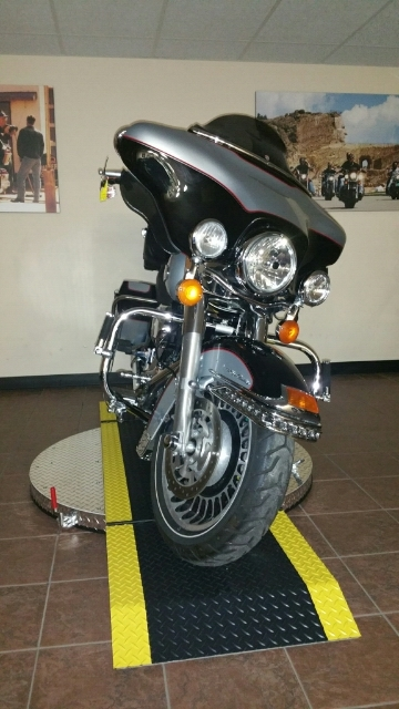 2011 Harley-Davidson Electra Glide Ultra Classic at Harley-Davidson® Shop of Winona, Winona, MN 55987