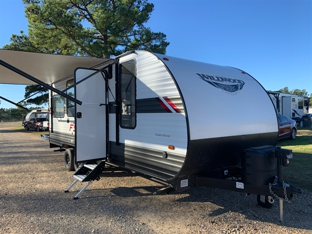 2020 Forest River Wildwood FSX at Campers RV Center, Shreveport, LA 71129