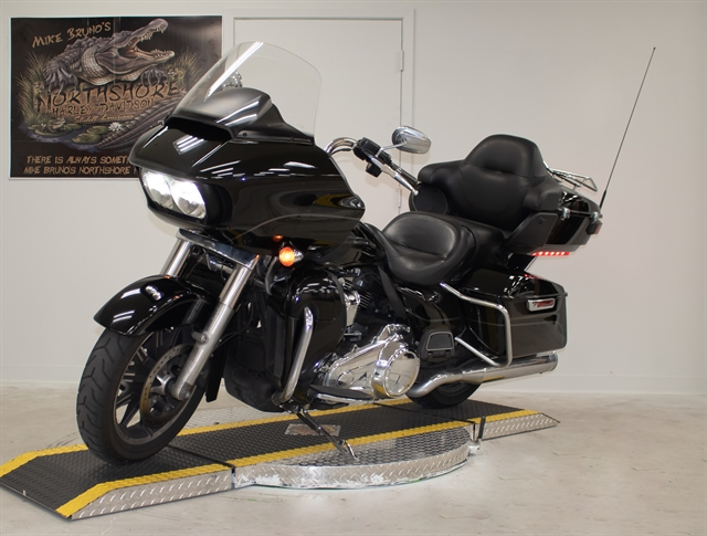 2017 Harley-Davidson Road Glide Ultra at Mike Bruno's Northshore Harley-Davidson