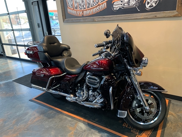 2015 Harley-Davidson Electra Glide Ultra Limited Low at Vandervest Harley-Davidson, Green Bay, WI 54303