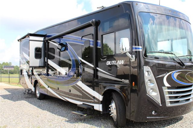 2019 Thor Motor Coach Outlaw Class A 37RB at Campers RV Center, Shreveport, LA 71129