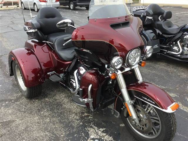 2014 Harley-Davidson Trike Tri Glide Ultra at Bud's Harley-Davidson, Evansville, IN 47715