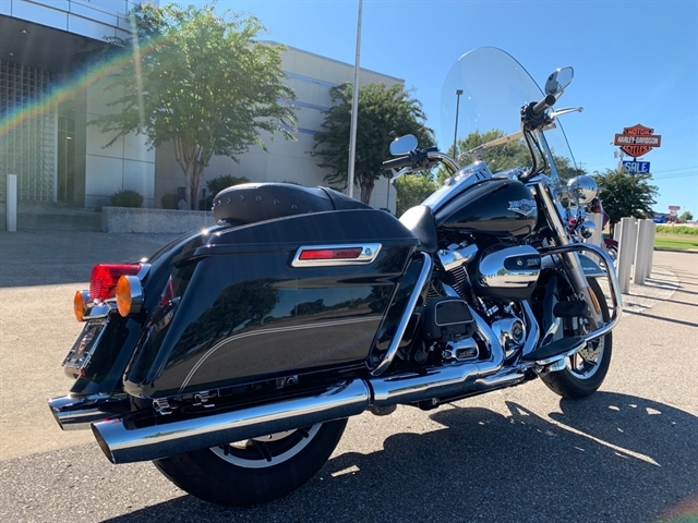 2017 Harley-Davidson Road King Base at Bumpus H-D of Jackson