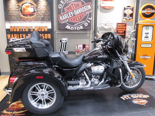2018 Harley-Davidson Trike Tri Glide Ultra at Hunter's Moon Harley-Davidson®, Lafayette, IN 47905