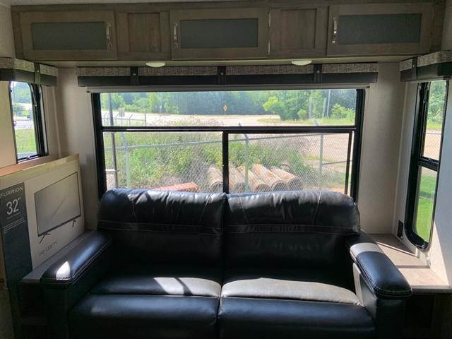 2019 Palomino Puma 29RLIS 29RLIS at Campers RV Center, Shreveport, LA 71129