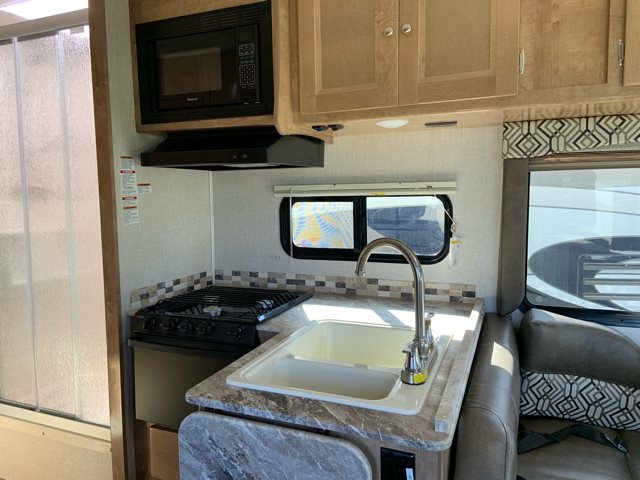 2019 Coachmen Leprechaun 270QB Rear Bedroom at Campers RV Center, Shreveport, LA 71129