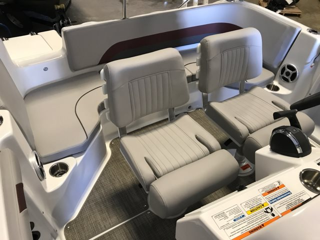 2018 Hurricane 211 Center Console SS 211 OB at Pharo Marine, Waunakee, WI 53597