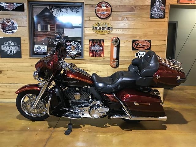 2014 Harley-Davidson Electra Glide CVO Limited at Thunder Road Harley-Davidson