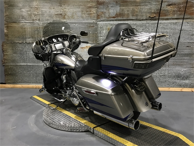 2017 Harley-Davidson Electra Glide CVO Limited at Texarkana Harley-Davidson