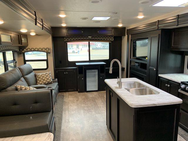 2019 Venture SportTrek ST342VMB at Campers RV Center, Shreveport, LA 71129