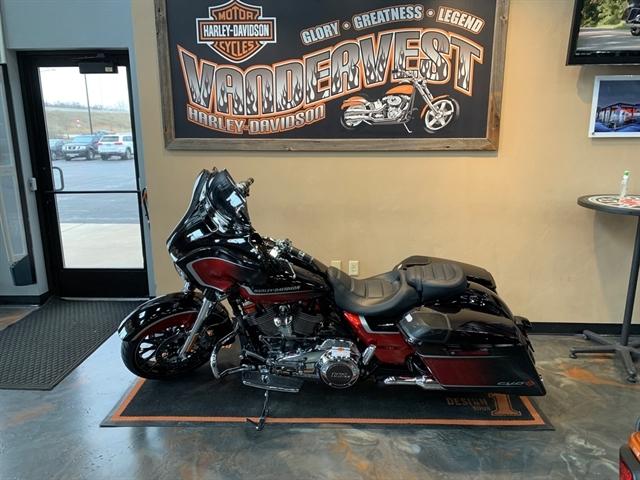 2021 Harley-Davidson Touring FLHXSE CVO Street Glide at Vandervest Harley-Davidson, Green Bay, WI 54303