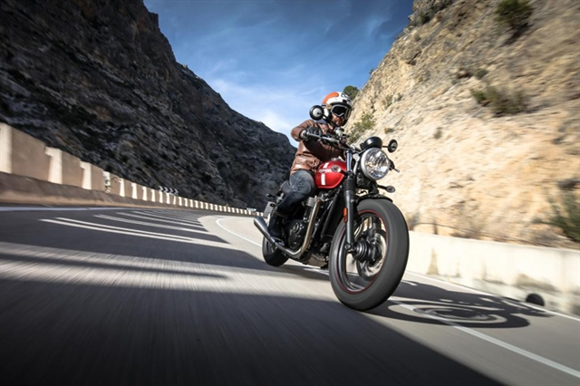 2016 Triumph Street Twin ABS at Yamaha Triumph KTM of Camp Hill, Camp Hill, PA 17011