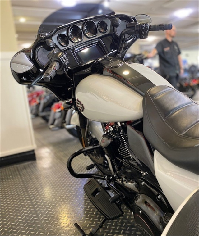 2020 Harley-Davidson CVO CVO Street Glide at Gasoline Alley Harley-Davidson (Red Deer)