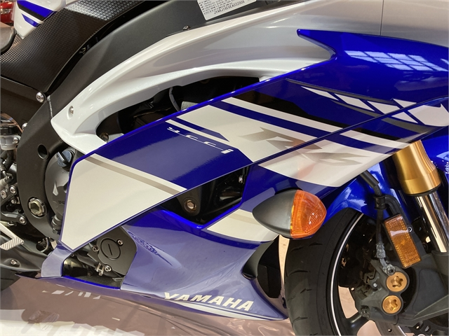 2014 Yamaha YZF R6 at Martin Moto
