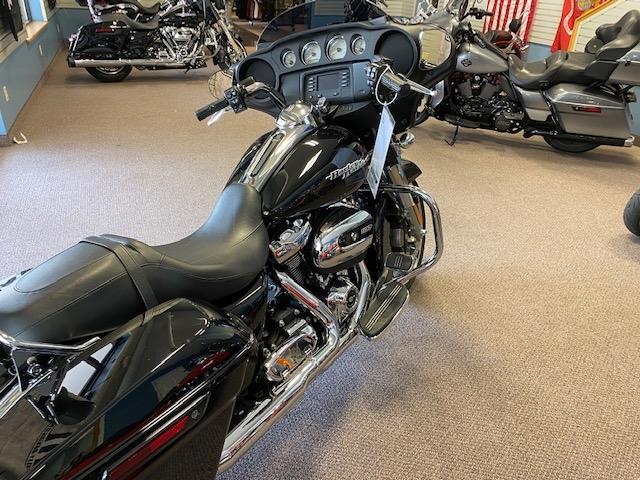 2019 Harley-Davidson Street Glide Base at Carlton Harley-Davidson®