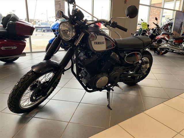 2017 Yamaha SCR950 950 at Star City Motor Sports