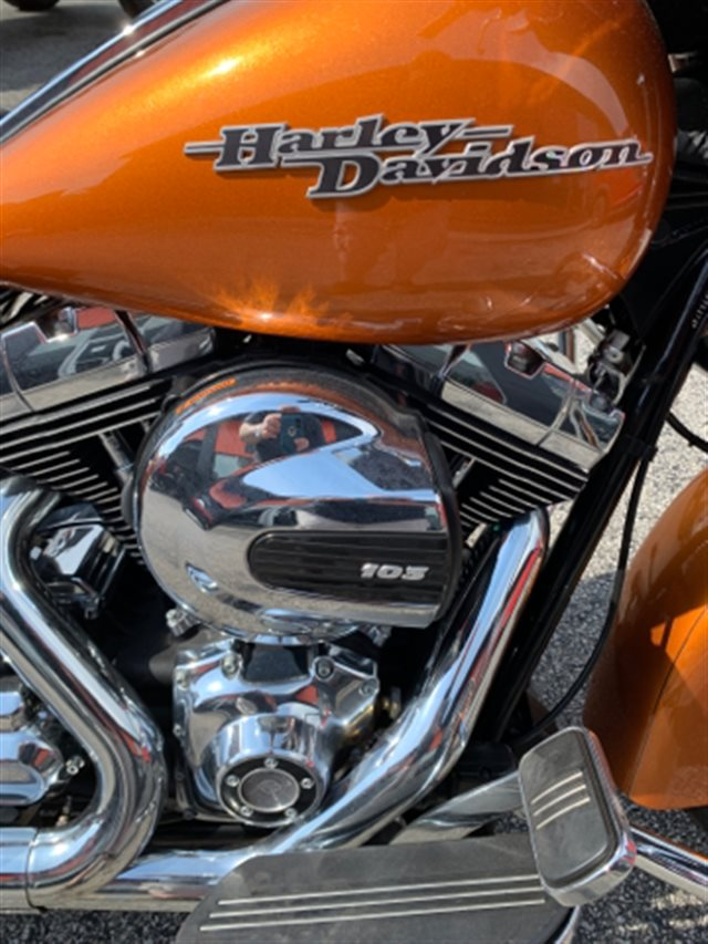 2015 Harley-Davidson Street Glide Special at Thornton's Motorcycle - Versailles, IN