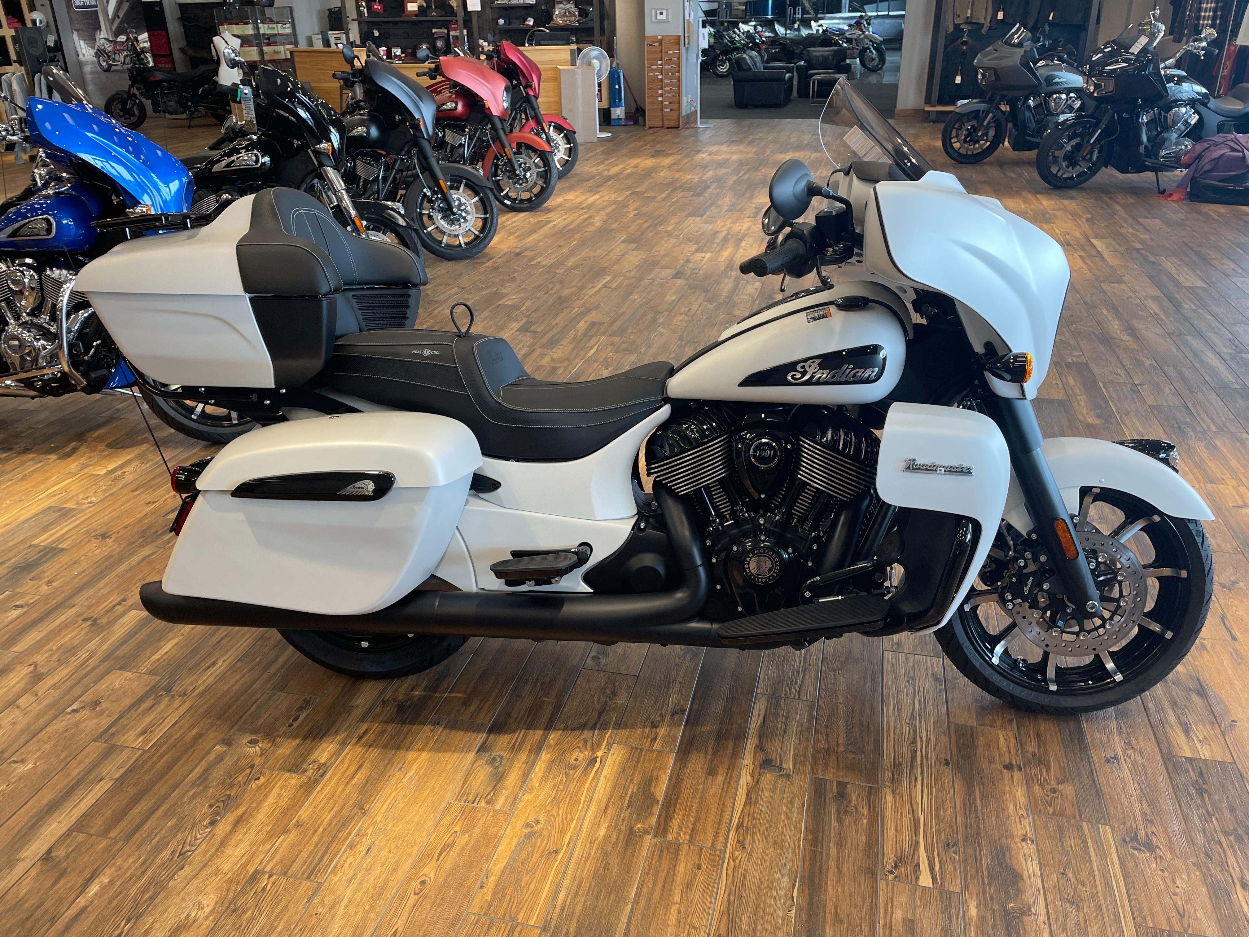 2021 Indian Roadmaster Dark Horse at Youngblood RV & Powersports Springfield Missouri - Ozark MO