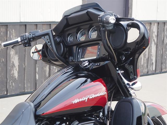 2017 Harley-Davidson Street Glide CVO Street Glide at Loess Hills Harley-Davidson