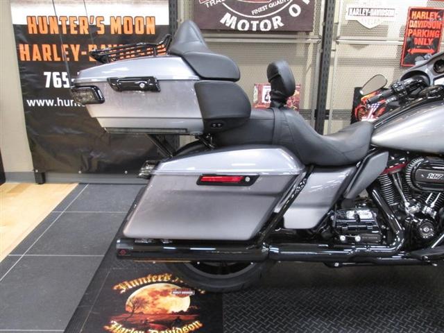 2019 Harley-Davidson Electra Glide CVO Limited at Hunter's Moon Harley-Davidson®, Lafayette, IN 47905