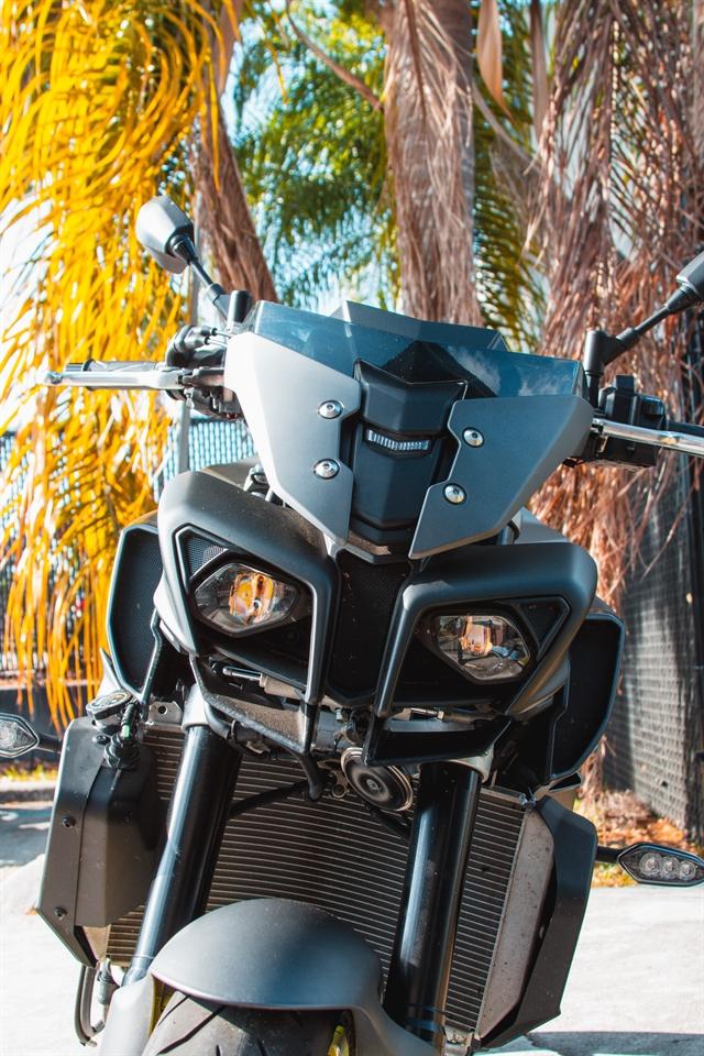 2018 Yamaha MT 10 at Tampa Triumph, Tampa, FL 33614