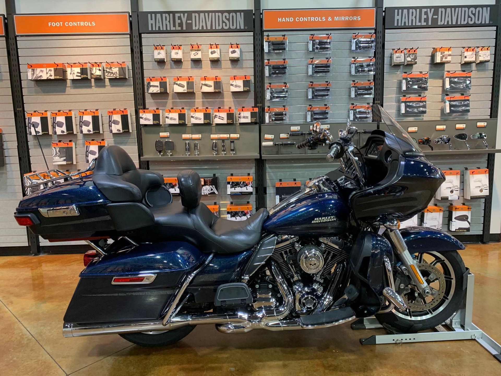 2016 Harley-Davidson Road Glide Ultra at Colonial Harley-Davidson