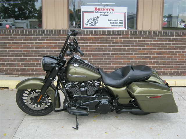 2017 Harley-Davidson Road King  Special FLHRXS at Brenny's Motorcycle Clinic, Bettendorf, IA 52722
