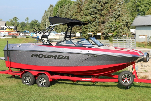 2019 Moomba Max at Fort Fremont Marine Redesign