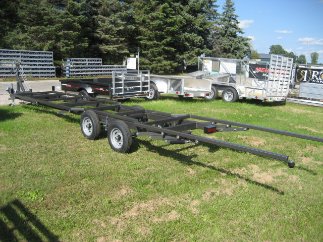2020 Trophy 24-47 Tandem pontoon trailer at Fort Fremont Marine Redesign