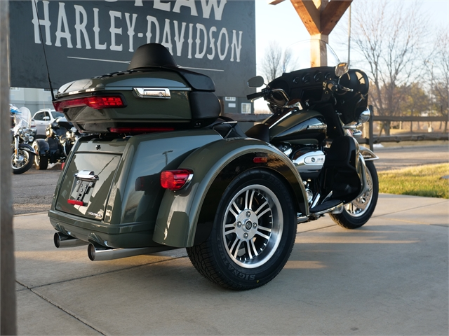 2021 Harley-Davidson Trike FLHTCUTG Tri Glide Ultra at Outlaw Harley-Davidson