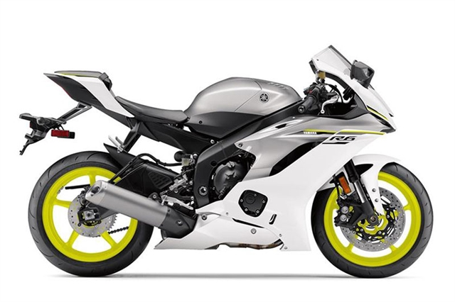 2017 Yamaha YZF R6 at Brenny's Motorcycle Clinic, Bettendorf, IA 52722