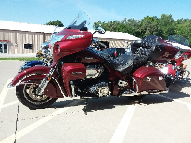 2017 Indian Motorcycle Roadmaster Base at Brenny's Motorcycle Clinic, Bettendorf, IA 52722