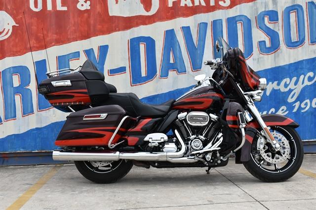 2017 Harley-Davidson Electra Glide CVO Limited at Gruene Harley-Davidson