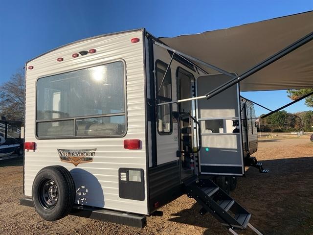 2020 Forest River Wildwood 32RLDS at Campers RV Center, Shreveport, LA 71129