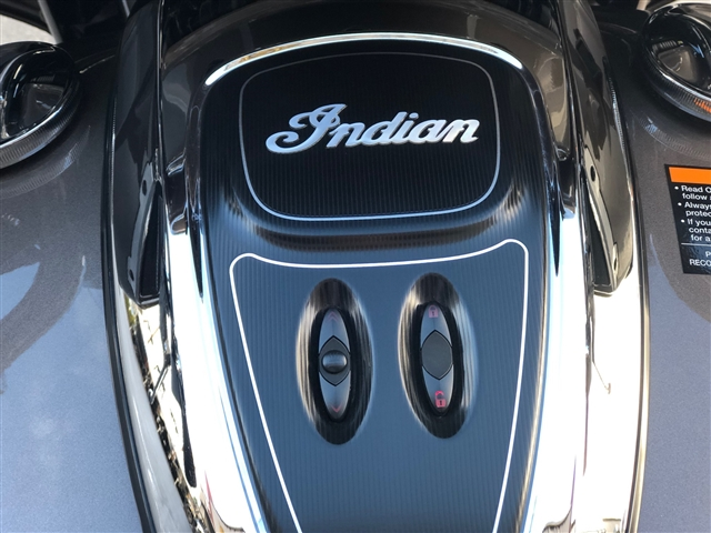 2018 Indian Roadmaster TWO TONE at Lynnwood Motoplex, Lynnwood, WA 98037