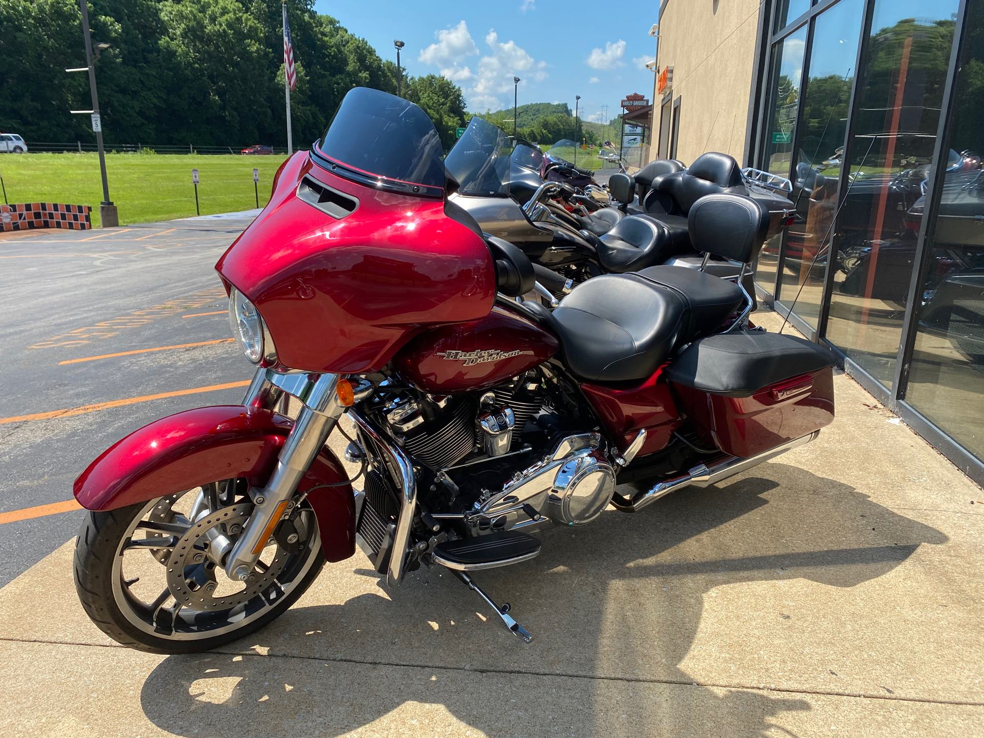 2017 Harley-Davidson Street Glide Base at Gold Star Harley-Davidson