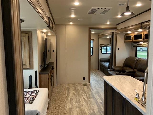2020 Coachmen Chaparral 373MBRB 373MBRB at Campers RV Center, Shreveport, LA 71129