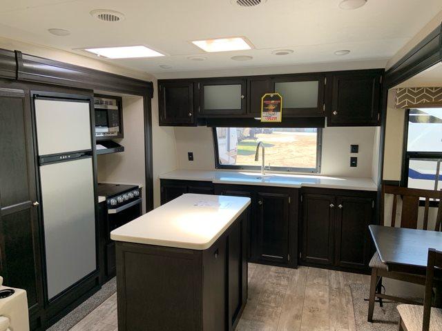 2019 Venture RV SportTrek 333VFK Front Kitchen at Campers RV Center, Shreveport, LA 71129