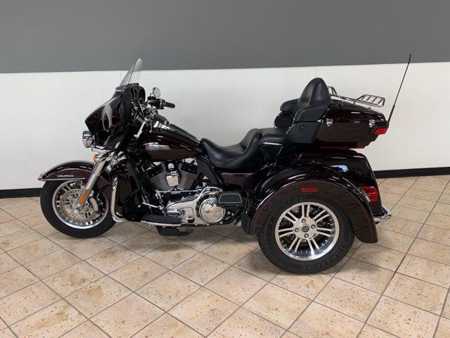 2014 Harley-Davidson Trike Tri Glide Ultra at Destination Harley-Davidson®, Tacoma, WA 98424