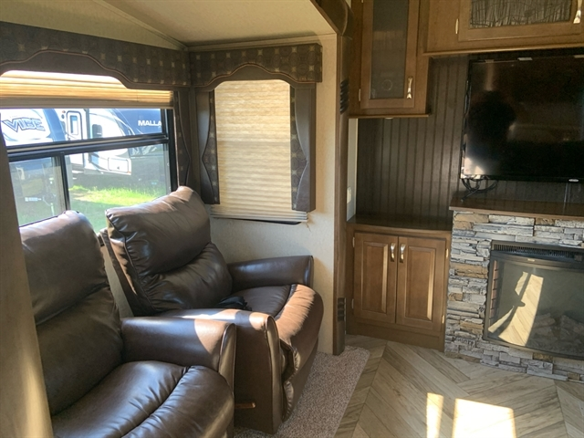 2016 Forest River Cedar Creek Silverback 37RL at Campers RV Center, Shreveport, LA 71129
