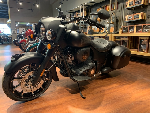 2019 Indian Springfield Dark Horse® at Mungenast Motorsports, St. Louis, MO 63123